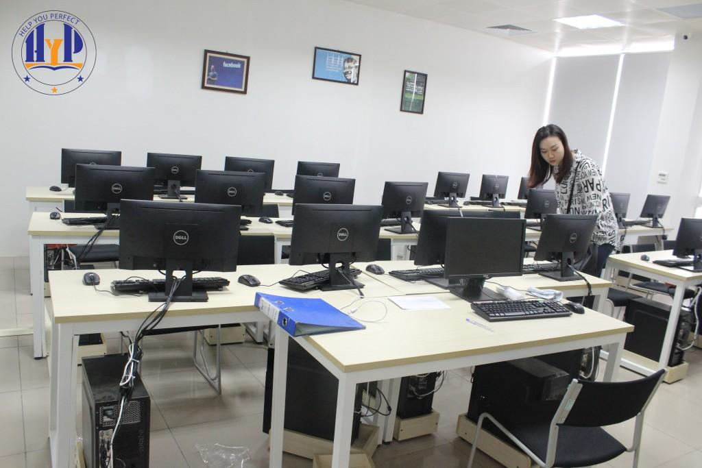 Phòng học thực hành kế toán tại HYP